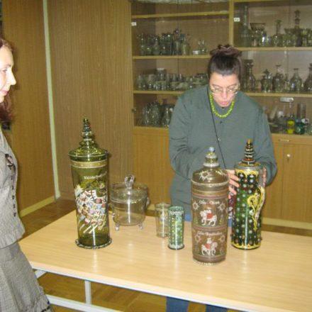 Оценка предметов искусства. Экспертиза произведений искусства – керамики, икон, украшений.